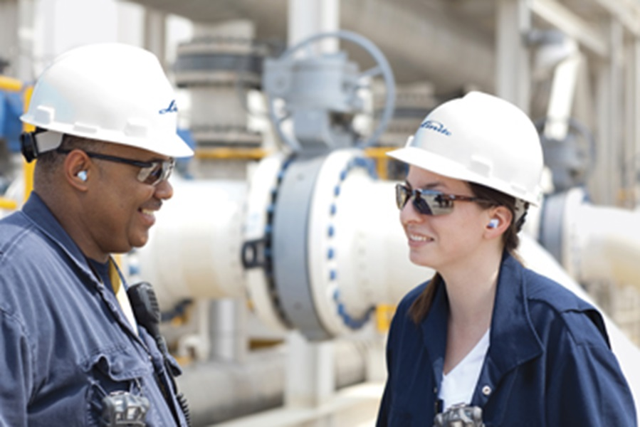 Linde U.S. Employees at a Refinery in Port Arthur Texas